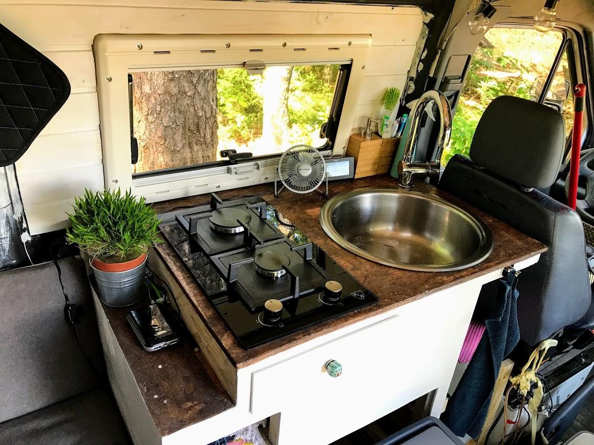 Wohnmobil Kuche Schone Und Praktische Beispiele Camperclan